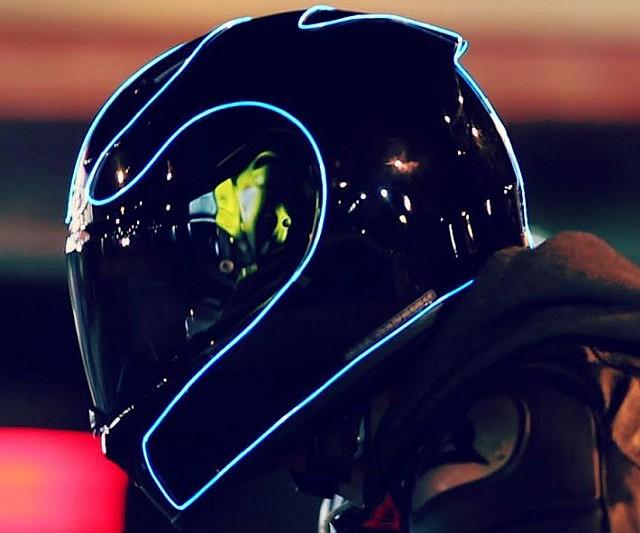 [Imagem: motorcycle-helmet-lighting-kit1-640x533.jpg]